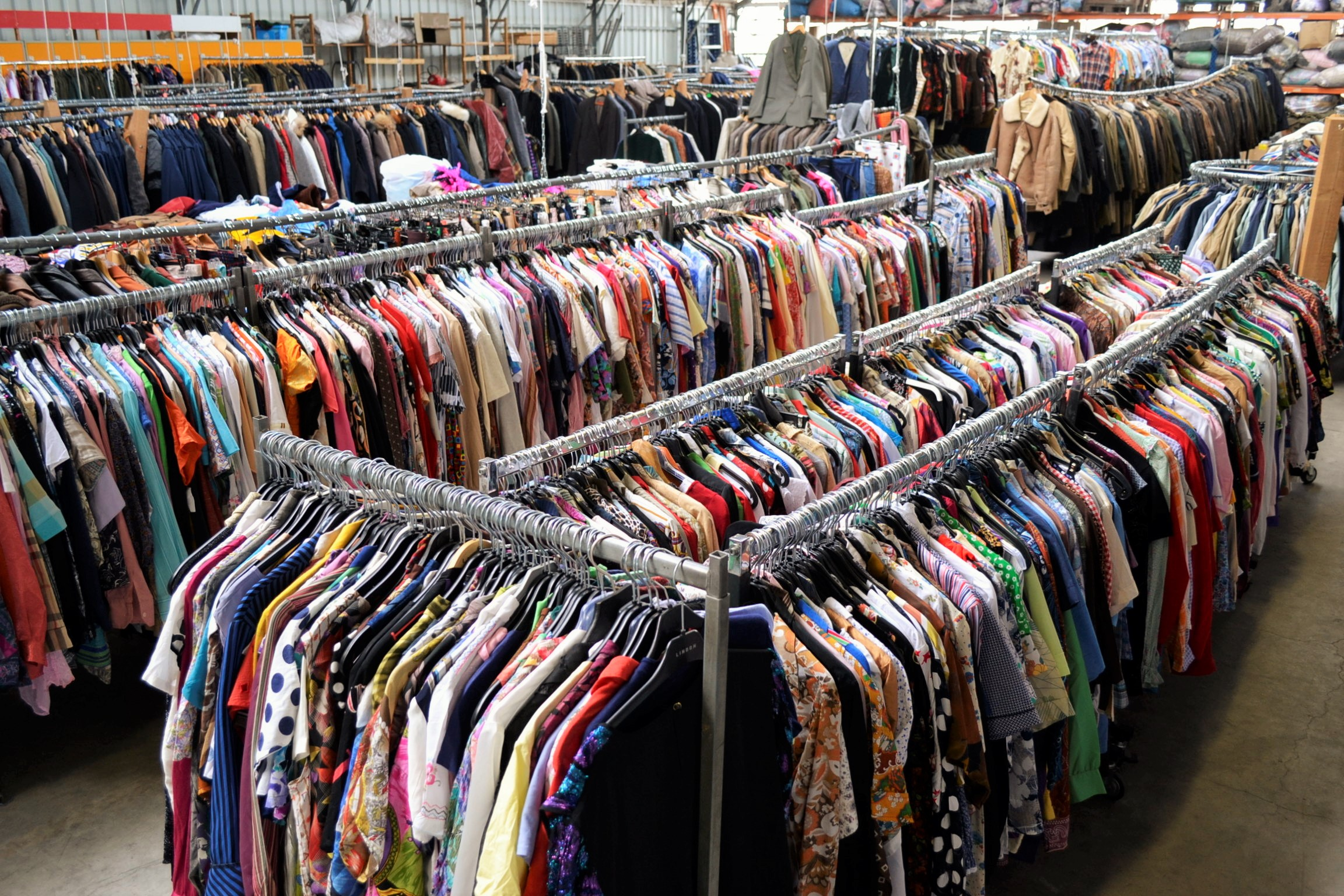 Top 15 Wholesale European Clothing Suppliers